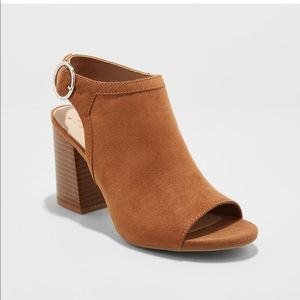 Rhea A New Day open toe size 8 left